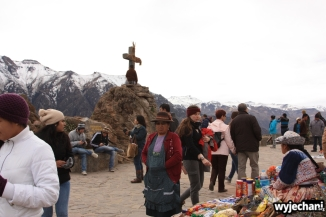 05 Cruz del Condor masa ludzi ale kondorow nie widac