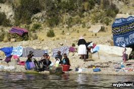 03 Isla del Sol, pranie w jeziorze