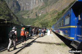 04 wysiadka z busa i droga do Aguas Calientes