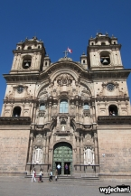 05 kosciol na Plaza de Armas