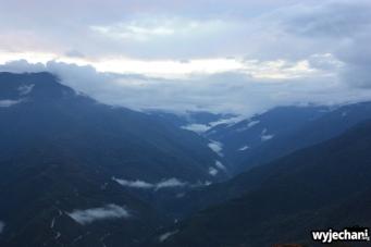 07 widok wieczorny na gory i chmury