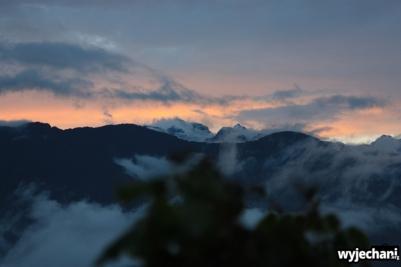 08 widok wieczorny na gory i chmury