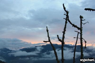 09 widok wieczorny na gory i chmury