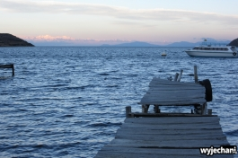 13 Isla del Sol, wizja z pomostem i gorami