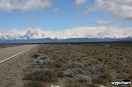 03 El Chalten - droga dojazdowa - widok na Fitz Roya i Cerro Torre