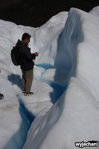 06 Perito Moreno - spacer - szczeliny lodowcowe