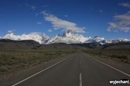 07 El Chalten - droga dojazdowa - widok na Fitz Roya i Cerro Torre