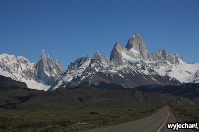 10 El Chalten - droga dojazdowa - widok na Fitz Roya i Cerro Torre