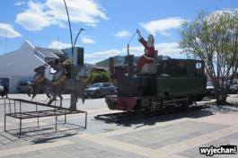 02 Puerto Natales - mikolaj na lokomotywie