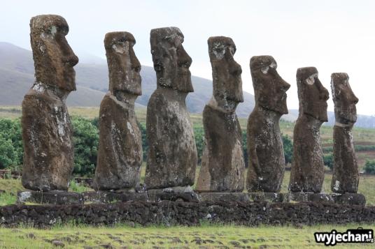 13 Wyspa Wielkanocna - Ahu Akivi