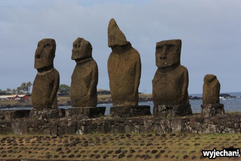 24 Wyspa Wielkanocna - Ahu Tahai