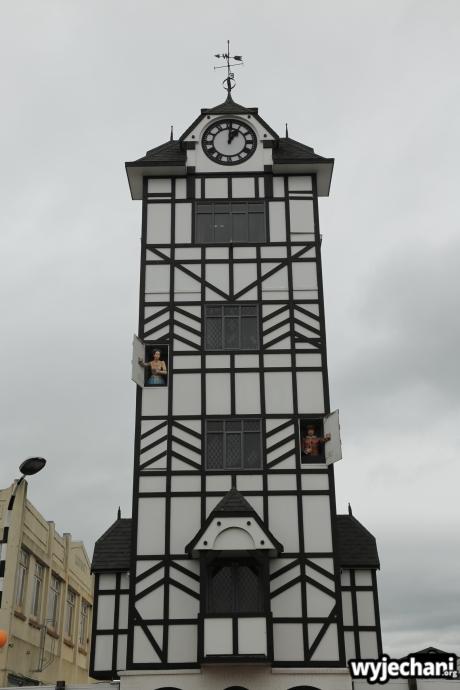 04 Taranaki - Stratford zegar