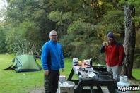 09 Z gosciem - kolejne sniadanie przy namiocie