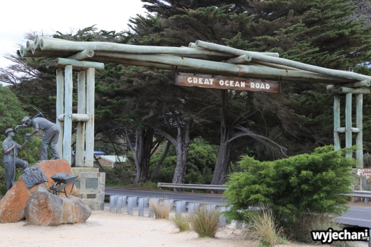 01 Great Ocean Road - Memorial Arch