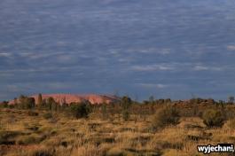 20 Outback cz.1 - Uluru z campingu