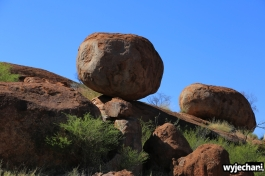 26 Outback cz.2 - Devils Marbles