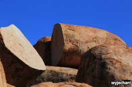 27 Outback cz.2 - Devils Marbles