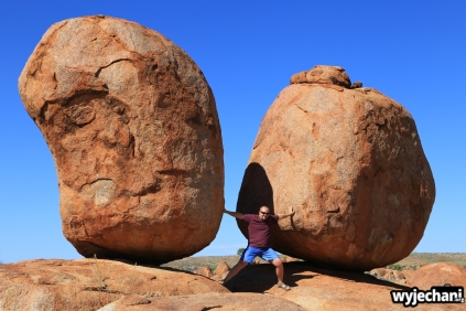 30 Outback cz.2 - Devils Marbles
