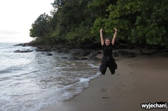 01 Etty Bay - skoczek na plazy