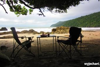 03 Etty Bay - sniadanie na plazy