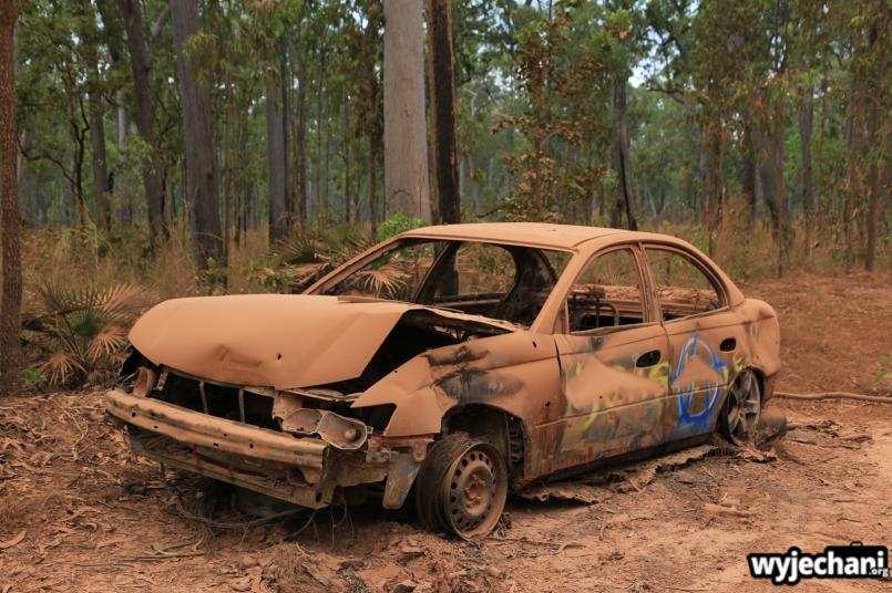 94 Cape York - atrakcje - porzucony samochod