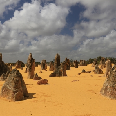 01-pn-nambung-pinnacles-desert