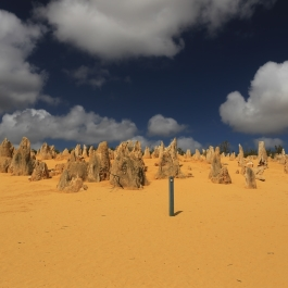 03-pn-nambung-pinnacles-desert